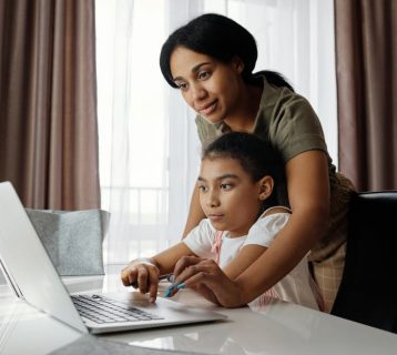 Technology for Kids: Understand the Pros and Cons